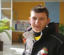 Футболната надежда Тодор Неделев налита на сек*бомби