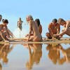 Български феномен: По-евтин чадър, ако си гол на плажа