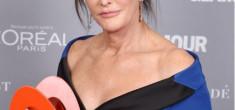 """Невероятно! Бащата на Ким Кардашиян стана """"Жена на годината"""""""