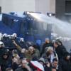 Полицията в Кьолн брутално смаза демонстрацията против мигрантските изнасилвания! Чии интереси защитава?