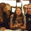 Дъщерята на Коко и Анелия отпра бузите на баща си. Ето как отпразнува ЧРД: