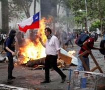 """Защо за CNN протестиращите в Чили са """"Банда Разбойници"""", а в Боливия – """"Борци за Демокрация"""":"""