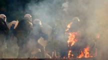 Атина Пламна! Десетки хиляди по площадите, Бомби, палежи и сблъсъци с полицията заради COVID-Мерките! (С ВИДЕО)