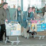 Клиентите с препълнени кошници са все по-голяма рядкост