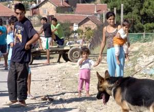 Масово ромите ни зарязват жена и челяд, за да се врекат във вярност на британска булка!