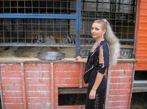 Маргарита Назарова е най-младата дресьорка на тигри в света
