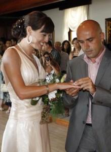 През 2008 г. Вики се омъжи за колегата си от Бтв- оператора Добромир Иванов