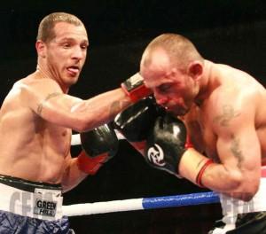 Иначе хилавият Део, се оказа боксов гладиатор!