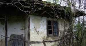 Англичаните купиха руини и ги превърнаха в домове