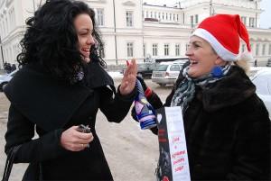 Калина отказа да приеме подаръка- водка с формата на фалос- от Сесил!