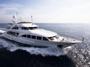 Скоро май ултра богаташите ще се простят и със супер-луксозните си яхти!