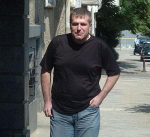 Христо Ковачки тотално забрави за самотните разходки по столичните улици!