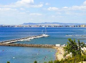 Пристанището на Диневи