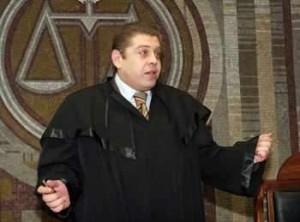 Корумпираният съдия Петър Сантиров!