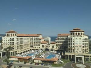 По- известен в Несебър като хотелът на Милен Велчев