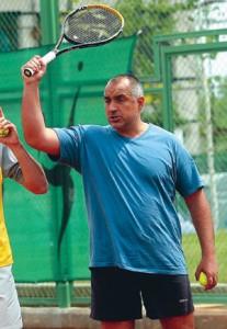 Бойко обича да спортува, но пари за спорт няма