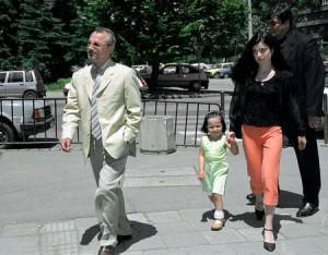 Доган с малката си дъщеря Демет