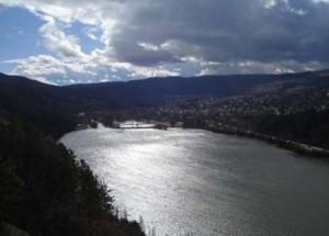 Река Искър погълна Веско