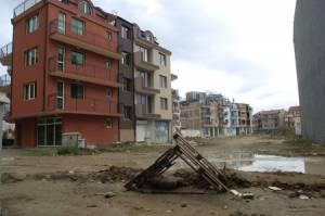 """кв. """"Черно море"""" в Несебър бъка с имоти на """"бедняци"""""""