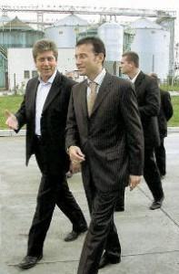 Връзките на Стайков с политиката са повече от стабилни