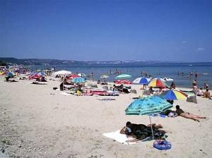 Дори на плажа човек трябва да е нащрек