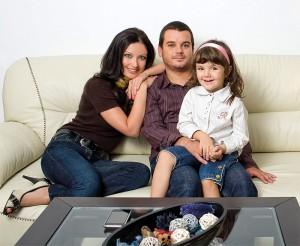 Иван, Вихра и дъщеря им Ава