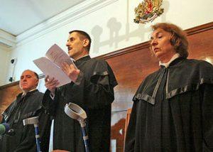 Константин Пенчев, в средата, председател на ВАС
