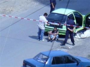 Полицията залавя убиеца, когато прибира телата в багажника на кола