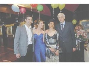 Р.Овч. с големия си син Слав и най- малката дъщеря Теодора