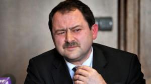 Пенгезов беше уличен във връзки с мафията, но все още е шеф на ВАС