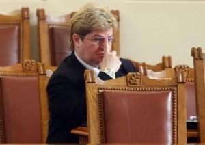 Правосъдната министърка веднага си пада по секретарката си