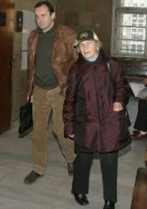 Вальо Топлото и майка му Цеца, която също е обвиняема