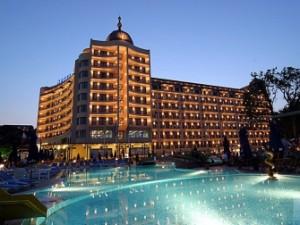 """Хотел """"Адмирал"""" - тук на 4-тия етаж Костов държи жилище за половин млн."""
