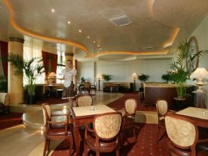"""Част от лукс интериора на хотел """"Адмирал"""""""