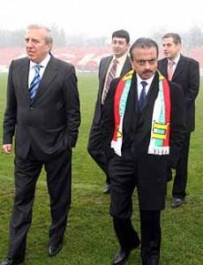 Томов с индийския милиардер Митал