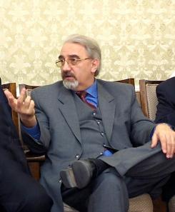 През 2000 г. Радев отказал на княз Кирил такава сделка