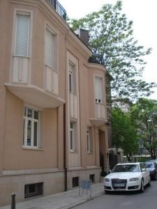 В незаконно придобития от цветелина имот се помещава и исландското консулство