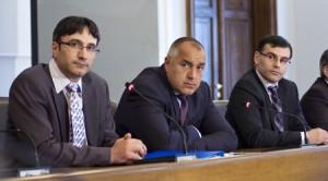 Лявата и дясната ръка на Бойко - Трайков и Дянков се търкалят по мафиотски хотели...