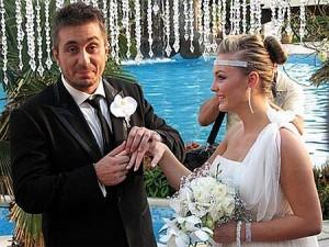 Наскоро Константин се ожени и му се роди дете... но главата му не увря!
