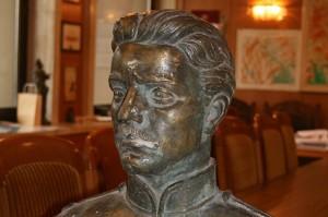 И този паметник на Левски беше спасен от пункт за вторични суровини