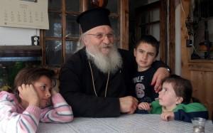 Възрастните вярват, че Господ ги наказва заради атаките срещу отец Иван