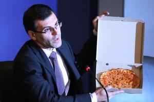 Пицата за ведомството на Дянков никога не е постна