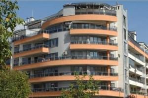 Сградата, в която Владо Първанов си купи мезонет