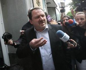 Пенгезов не отговаря за действията на дъщеря си, дори когато й помага с пари
