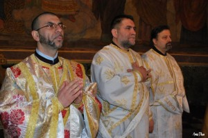 Дякон Иван Иванов - Джовани (първият вляво)
