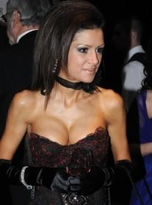 Дъщерята на Искра Радева си падала по секс на публични места