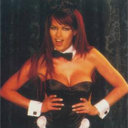 Юлиана печелеше добре като еротичен модел