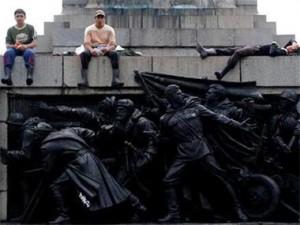 Паметника е едно от популярните места за срещи в София
