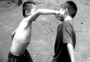 бой деца
