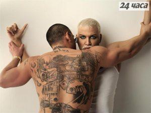 Ванко 1 татуира живота си върху гърба